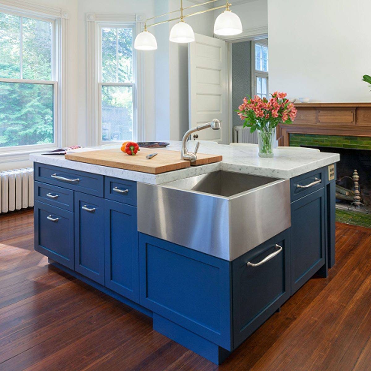 How To Paint Kitchen Cabinets Without Streaks 10 Painting Myths Busted The Family Handyman