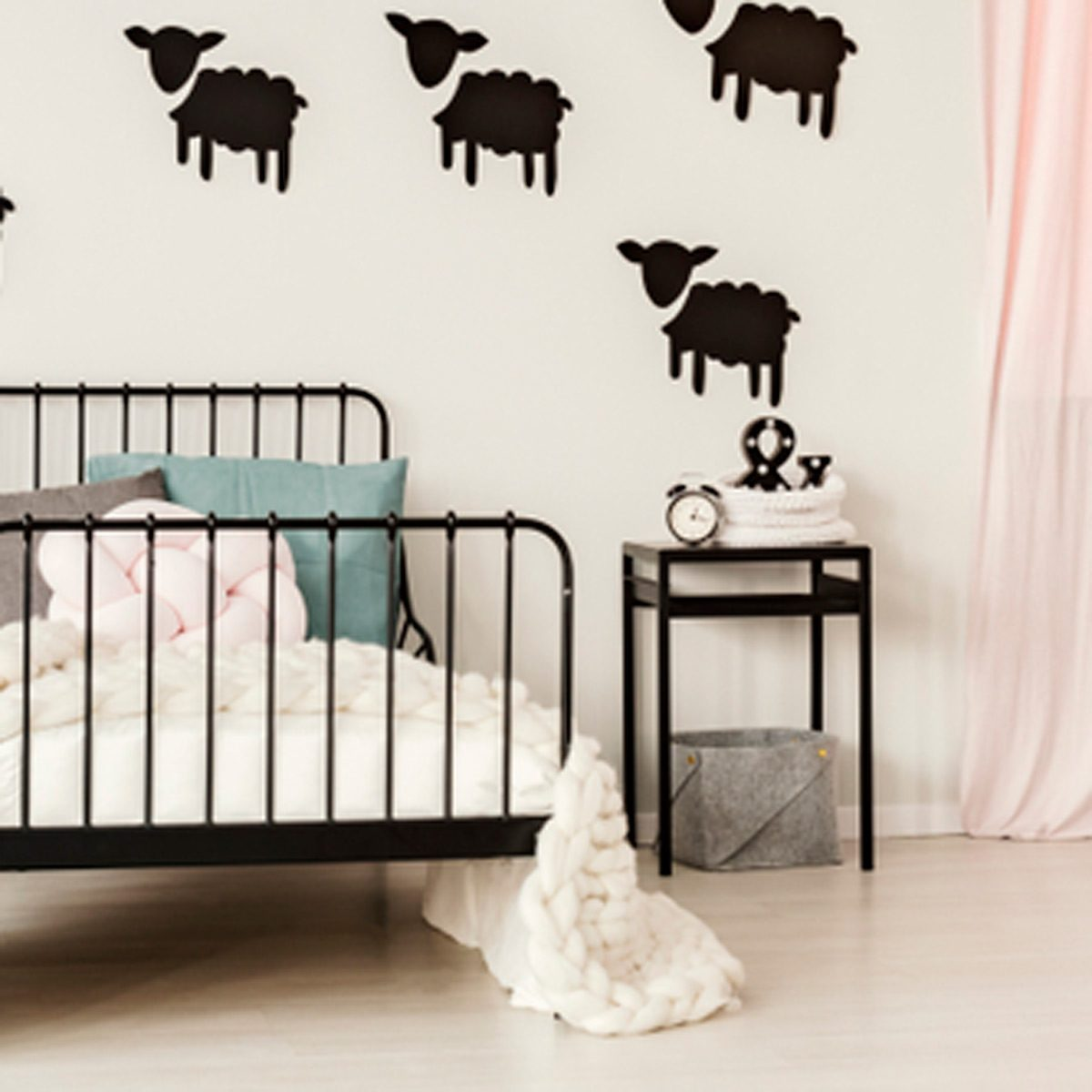 Black And White Bedroom Ideas 10 Stunning Black And White Bedroom Ideas For Kids