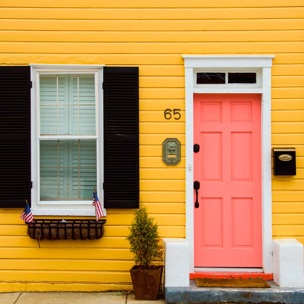 10 Front Door Curb Appeal Colors To Add Value To Your Home