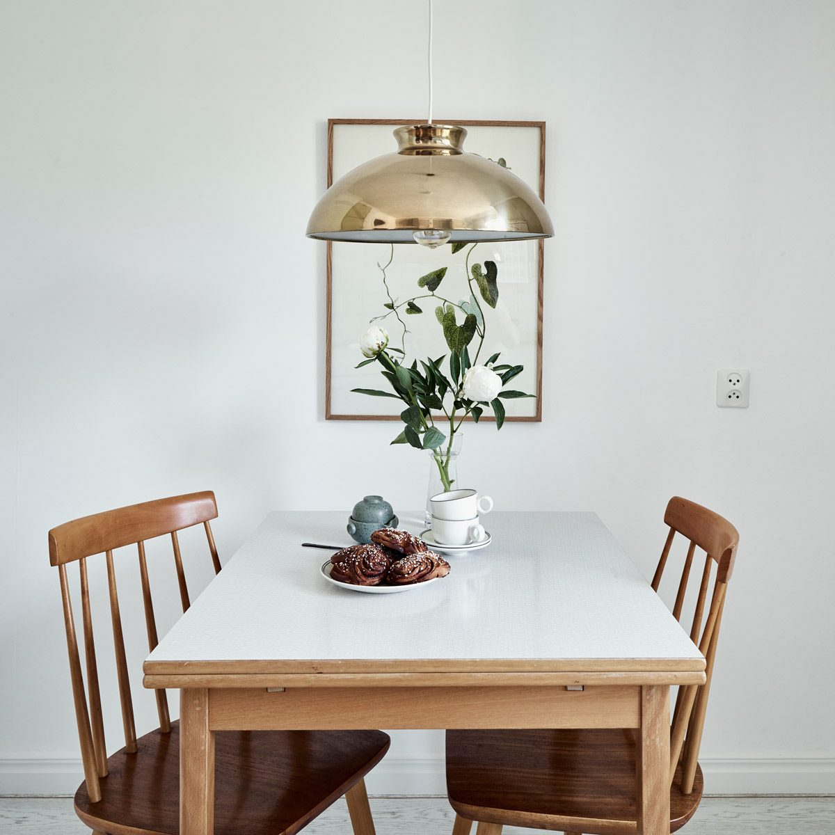 10 Best Kitchen And Dining Tables For Small Spaces