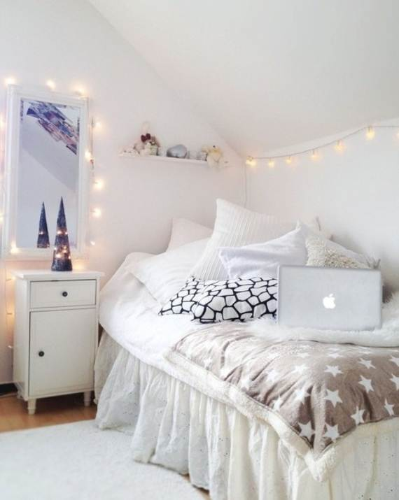 Camera Da Letto Total White 45 Atmospheric Holiday Decorating Ideas With Fairy Lights