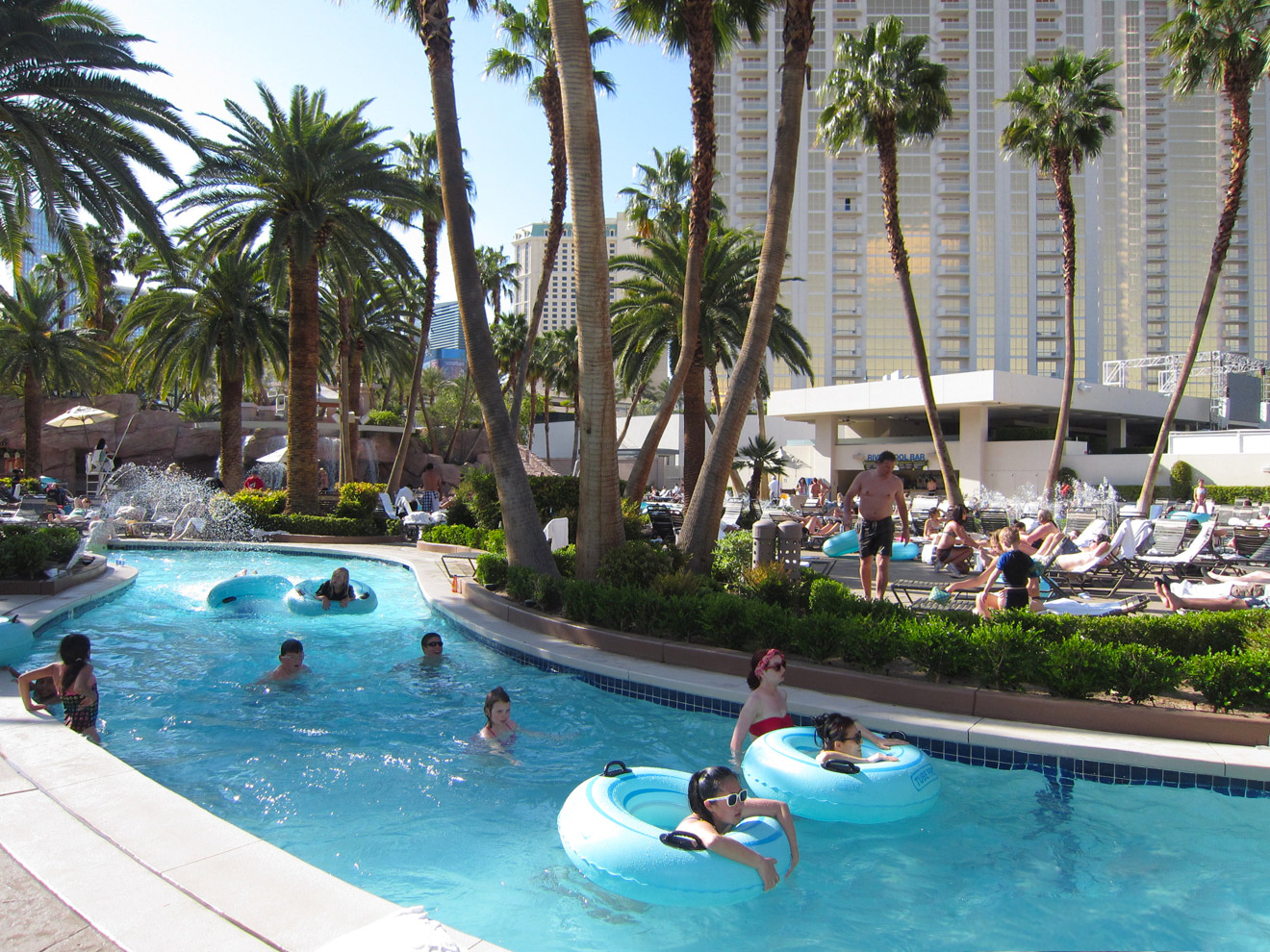 Flamingo Pool Dates Best Family Pools In Las Vegas For Kids Family Vacation Hub