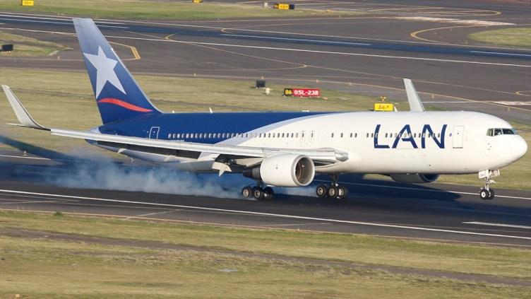 LAN Airlines Boeing 767 - © Ivan Cabrero - jetphotos.net