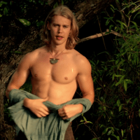 """Austin Butler as Wil Ohmsford shirtless in The Shannara Chronicles 1×05 """"Reaper"""""""