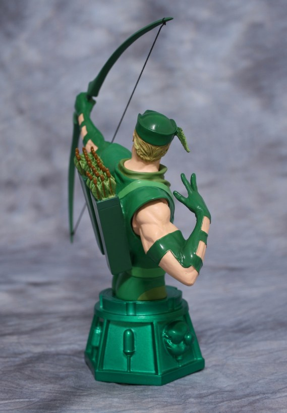 Heroes of DC Green Arrow Bust 004
