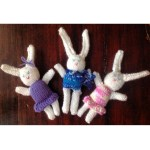 Easter bunnies! {knitting pattern}