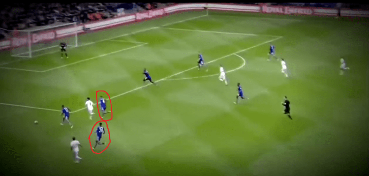 In this still Mahrez has already closed down the opposition's fullback and has forced him to play the ball further out wide rather than into the box centrally. Another thing to notice is how the 2 defensive midfielders keep track of the runners, here Drinkwater has noticed the run in behind the defense and he did close down the player before he could cross the ball.