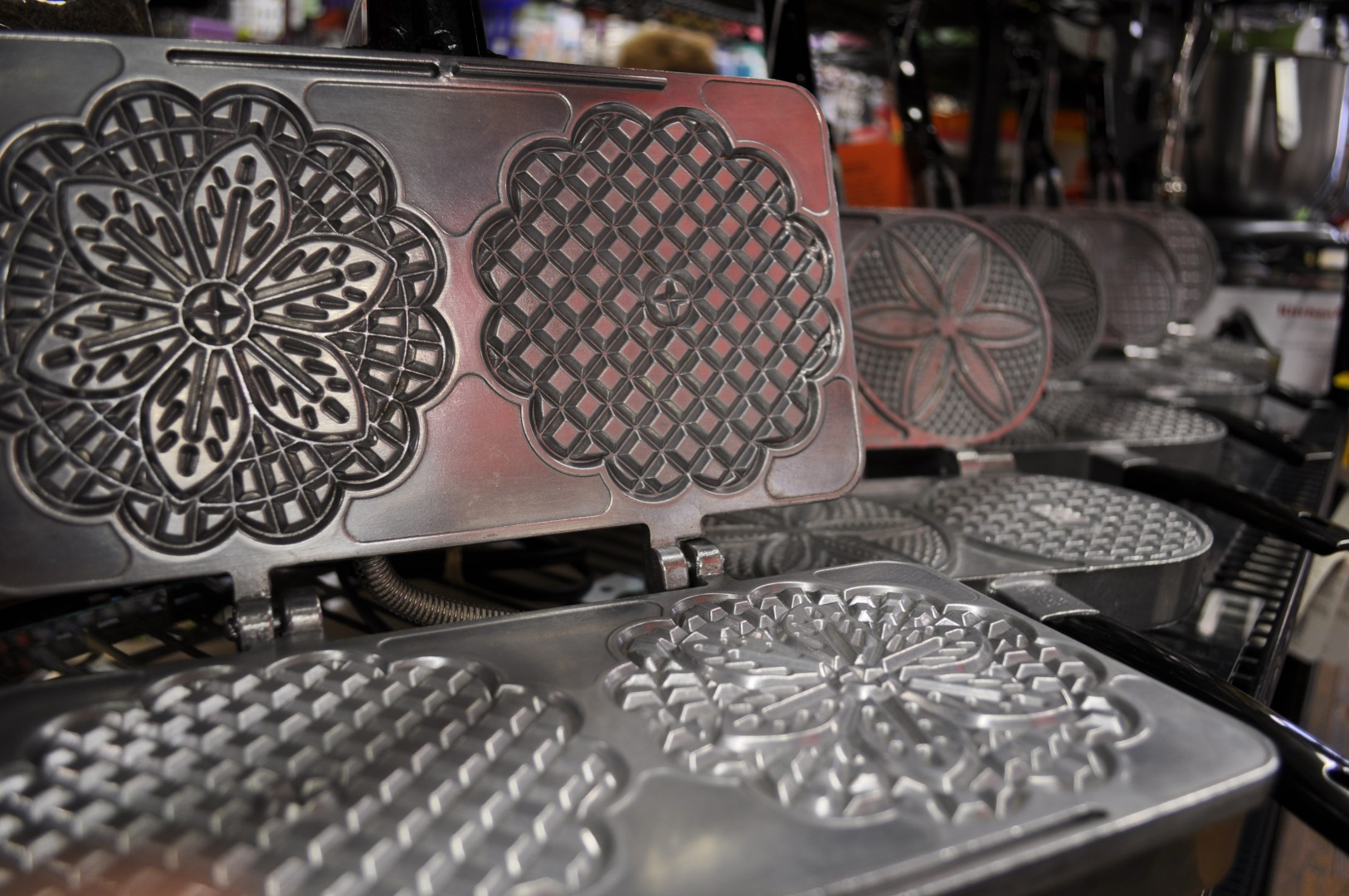 Cucinapro Multi-baker With Interchangeable Plates How To Choose The Pizzelle Iron That S Right For You Fante S Kitchen