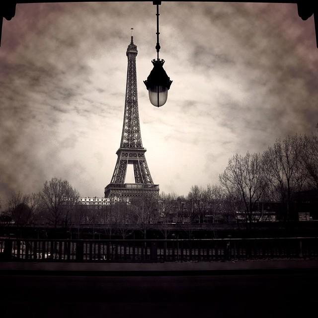 Eiffel's Light por Arivan B
