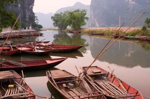 River boats. Tam Coc