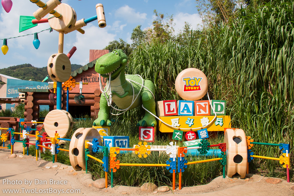 Toy Story Land At Disney Character Central