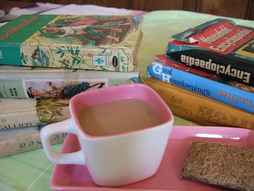 Coffee,Gingerbread and Vintage Books!