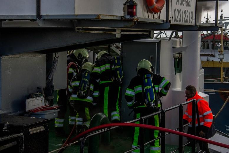 scheepsbrand_zuiderpier_mvanm (14)