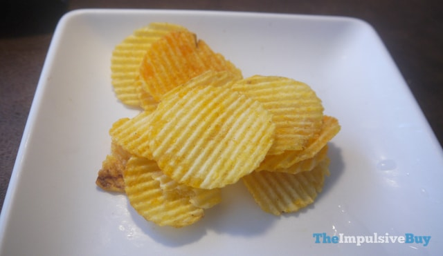 Ruffles Limited Time Only All Dressed Potato Chips 3