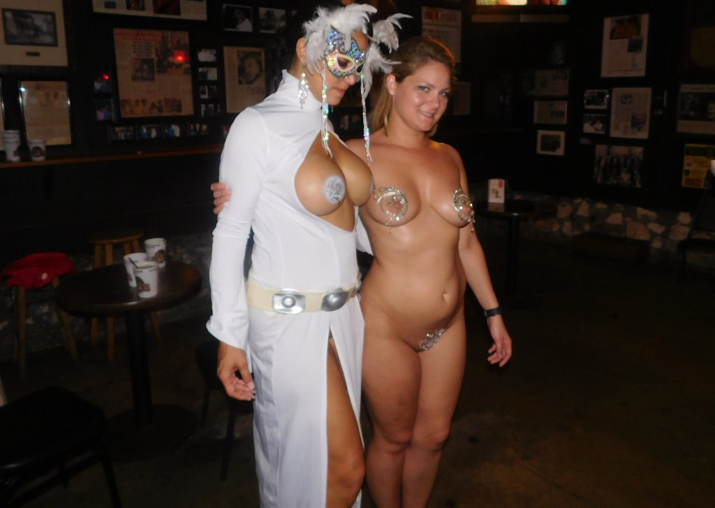 swinger wife at fantasy fest