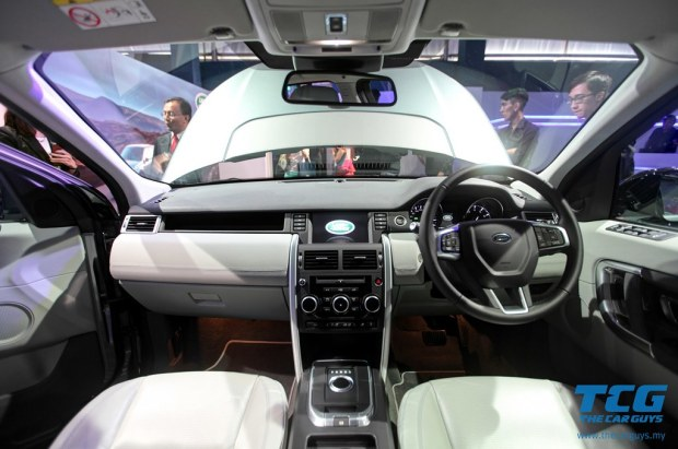 2015 Land Rover Discovery (17)