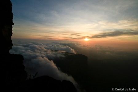 Abismo, vista para o Monte Roraiminha