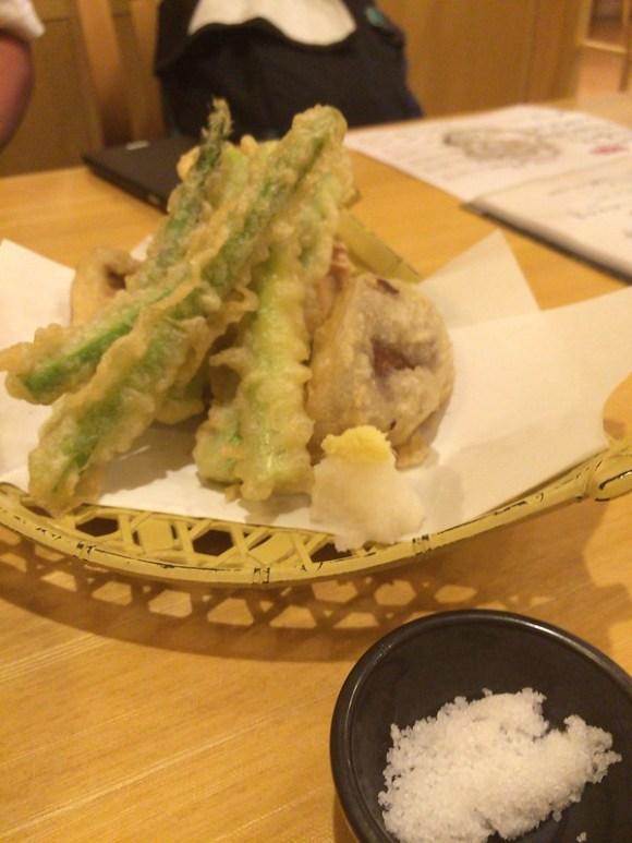 アスパラと想いのたけの天ぷら