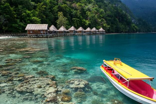 Ora Beach, Pulau Seram