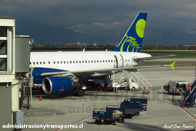 Sky Airline - Santiago (SCL) - Airbus A319 CC-AIC