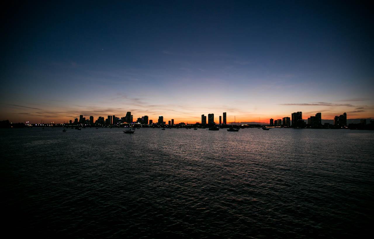 Atardece en Miami, en uno de los recorridos que se pueden hacer en barco. (Tetsu Espósito)