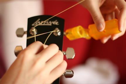 restringing guitar - 11