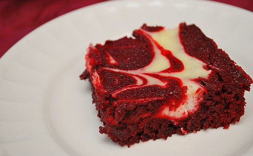 Paleo Red Velvet Cheesecake Swirl Brownies