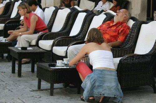 3353736080 7a8ab5f64b o 100+ Funny Photos Taken At Unusual Angle [Humor]