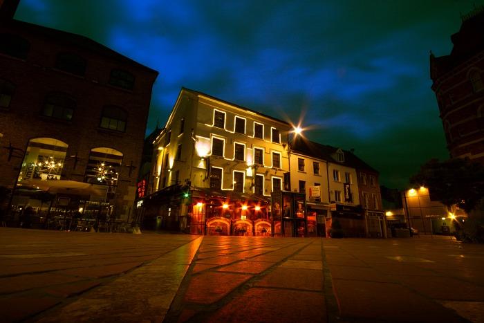 Paul Street by night