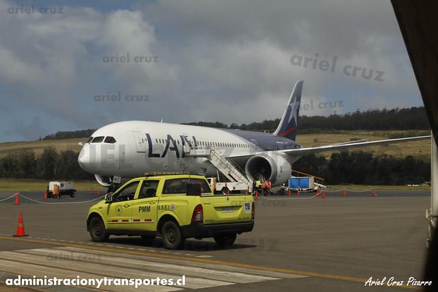 LAN Airlines - Isla de Pascua (Mataveri) - Boeing 787-8 CC-BBI