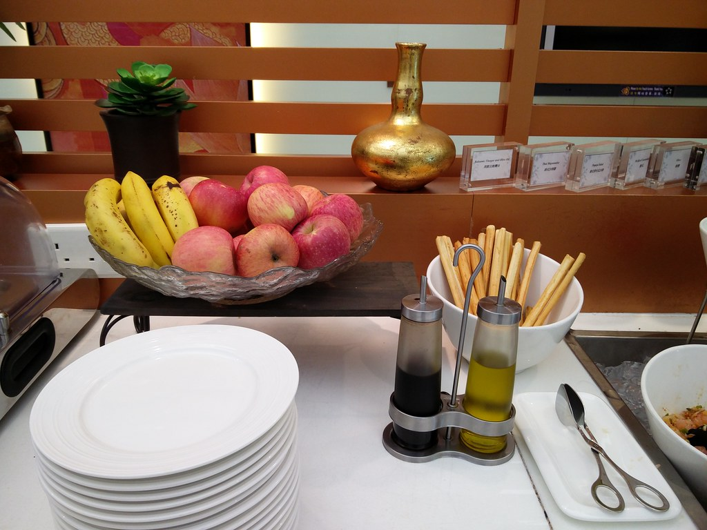 Fruit Bowl For Counter Thai Royal Orchid Lounge In Hong Kong International