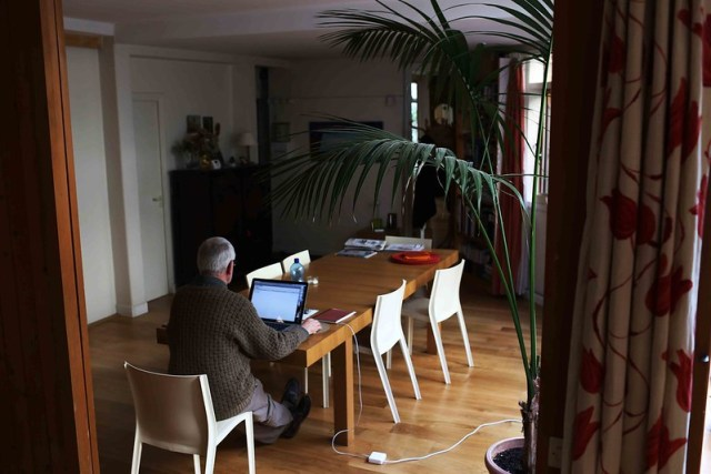 City Moment - The Empty Table's Memories, Rue du Buisson Saint-Louis