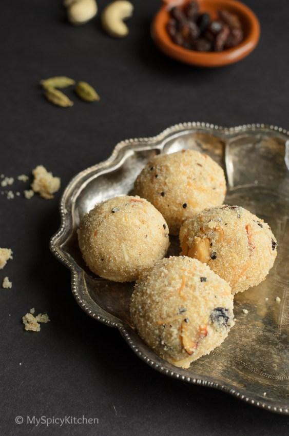 Rava Laddu, Endu Kobbari Rava Laddu, Kobbari Rava Laddu, Coconut Rava Laddu, Sooji Laddu, Indian Laddu, Indian Sweet, Telugu Food, Telangana Food, Blogging Marathon, Journey Through the Cuisines,