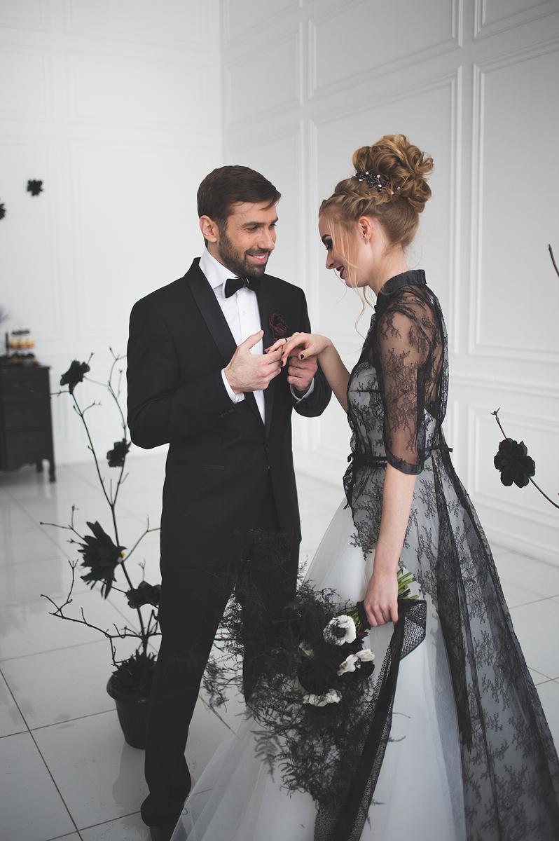 black white wedding dress magic black wedding inspiration black wedding dresses Black and white wedding dress for A Magic Black Wedding Inspiration Shoot Photo by Anastasia