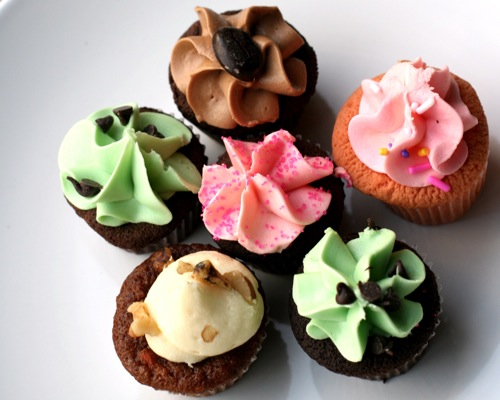Mostly Lisa's Favourite Cupcakes-1