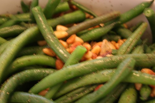 Garlic green beans with pine nuts