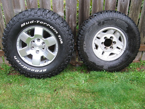 Side by side comparison of tires and wheels