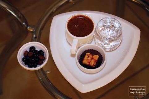 Fincan Kahve Dünyası Türk Kahvesi içmek isteyenlerin ilk tercih ettiği mekanlar arasında yer alıyor.