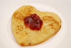 14th Feb 08 : VALENTINE HEART PANCAKE