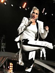 Gwen Stefani kick