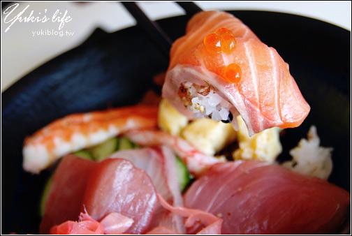 [09 SUMMER] 8*花蓮。還沒開門就大排長龍的「賀川壽司屋」(已經搬家囉) Yukis Life by yukiblog.tw