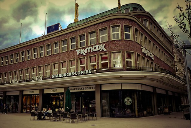 Filiale der Kaffeekette Starbucks in der Kümmelstr. 2-8, Hamburg