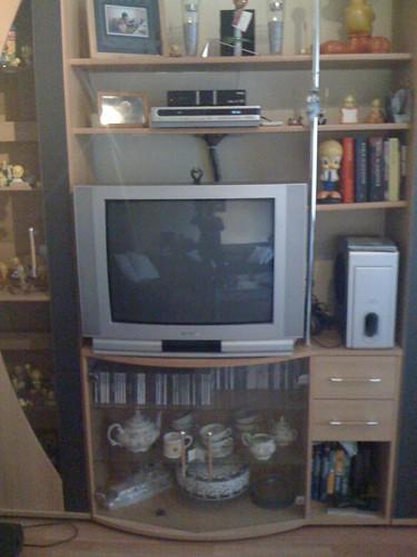 Nieuwe tv past precies in de kast!!!