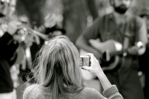 Photographing Edward Sharpe & The Magnetic Zeros at Victoria Park Bandstand