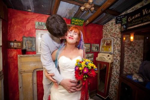 Mini Wedding Chapel kiss