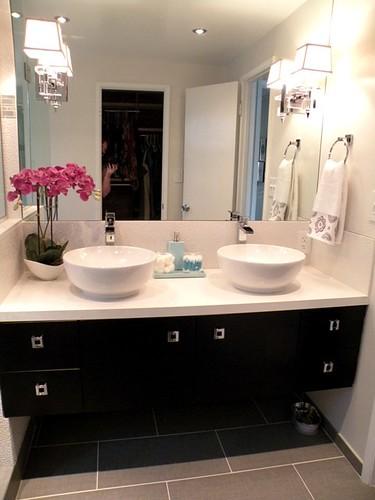 HGTV Divine Design with Candice Olson Takes on Modern Bathroom - hgtv bathroom designs