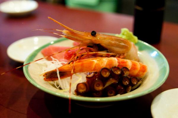 Sashimi breakfast at Tsukiji fish market