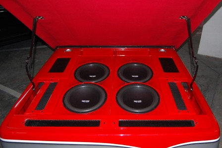 Toyota Hilux by Mickey's Autosound Subwoofers