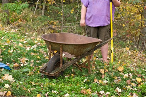 Permaculture: How to use this wheelbarrow
