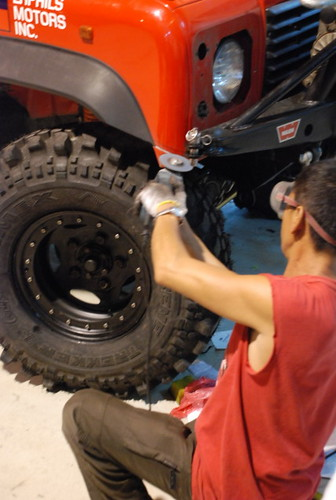 Team Land Rover Philippines Front Fender Trimming